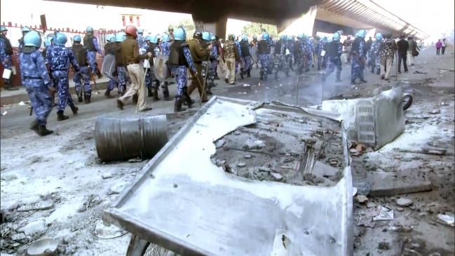 Delhi Violence Key Points: हिंसा में अब तक 13 लोगों की मौत, पुलिस ने दिए उपद्रवियों को देखते ही गोली मारने का आदेश