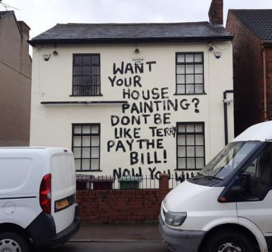 London: पेंटर को काम के पैसे न मिले तो उड़ा दी मकान-मालिक की खिल्ली
