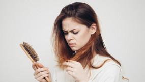 Hair Care: आपकी हेयर स्टाइल भी हो सकती है बाल झड़ने की वजह, रखें ये सावधानी