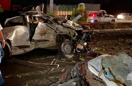 Accident: कर्नाटक में दो वाहनों की भिड़ंत में 13 लोगों की मौत, तीन घायल