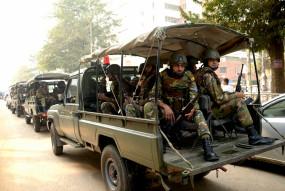 कोरोनोवायरस से निपटने बांग्लादेश लेगा सेना की मदद
