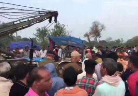 बिहार: मुजफ्फरपुर में स्कॉर्पियो-ट्रैक्टर की टक्कर, 11 लोगों की मौत, 4 घायल