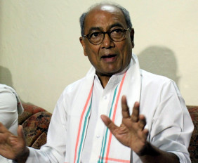भाजपा ने कांग्रेस, सपा, बसपा विधायकों को दिल्ली लाना शुरू किया : दिग्विजय