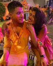 ईशा की होली पार्टी में शामिल हुए बॉलीवुड सितारे