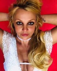 ब्रिटनी स्पीयर्स चाहती हैं अपने टैटू से छुटकारा पाना