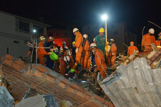चीन में ढहा होटल, 49 लोगों को बचाया