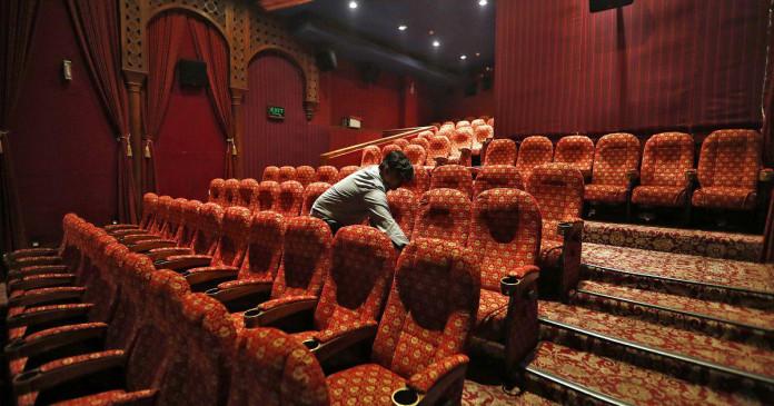 कोरोनावायरस: बॉलीवुड में कई फिल्मों की रिलीज डेट टली, 800 करोड़ तक हो सकता है नुकसान