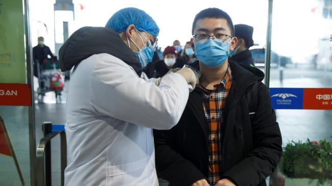 कोरोनावायरस: चीन में इलाज के बाद फिट हुए 1,661 मरीज, घर जाने की मिली इजाजत