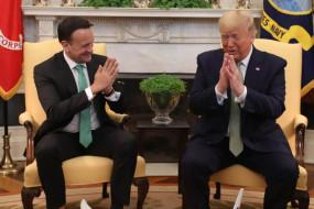 कोरोनावायरस का खौफ: ट्रंप और आयरलैंड के PM वराडकर ने एक दूसरे को किया नमस्ते