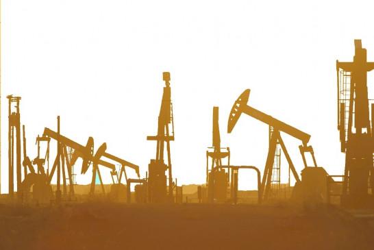 पानी से सस्ता हुआ कच्चा तेल, वायदा बाजार में 2200 रुपये बैरल के नीचे आया भाव