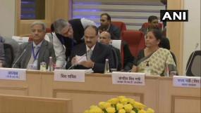 Delhi: वित्त मंत्री की अध्यक्षता में GST काउंसिल की बैठक जारी, कई प्रोडक्ट्स हो सकते हैं सस्ते