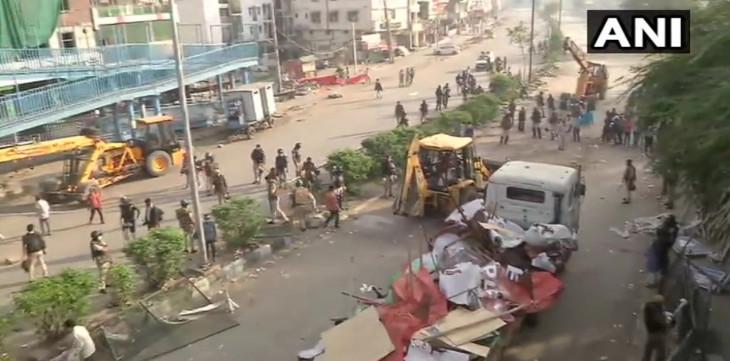 कोरोनावायरस: दिल्ली पुलिस ने कोरोना संक्रमण को देखते हुए खाली कराया शाहीन बाग