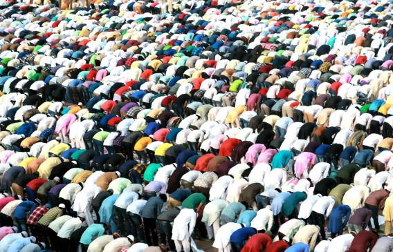 India Lockdown: मुस्लिम पर्सनल लॉ बोर्ड की अपील- मस्जिदों की बजाय घर पर ही अदा करें जुमे की नमाज