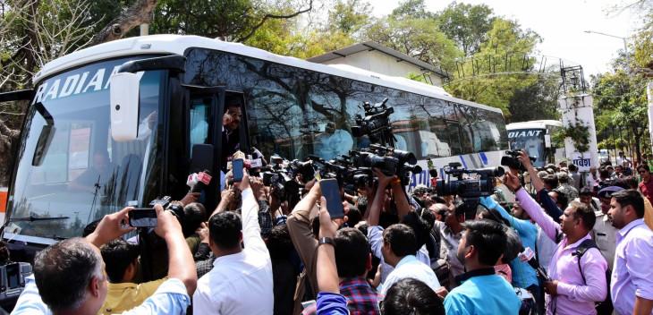 मप्र कांग्रेस के पूर्व-बागी विधायक बेंगलुरू से भोपाल पहुंचेंगे