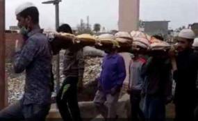 UP: भाईचारे की मिसाल, लॉकडाउन में रिश्तेदार नहीं आए तो मुस्लिमों ने हिंदू पड़ोसी का किया अंतिम संस्कार