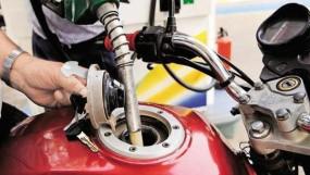 Fuel Price: 12 रुपए तक गिर सकते हैं पेट्रोल के दाम, कोरोना के प्रकोप से कच्चे तेल में कमजोरी का असर