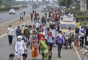 Lockdown: प्रवासी श्रमिकों के रहने-खाने के लिए 29,000 करोड़ रुपए के SDRF फंड का इस्तेमाल कर सकेंगी राज्य सरकारें