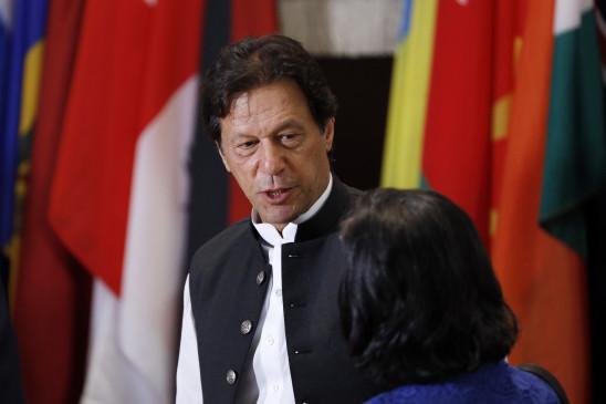 इमरान खान ने आवश्यकता-आधारित स्नातक छात्रवृत्ति प्रदान की