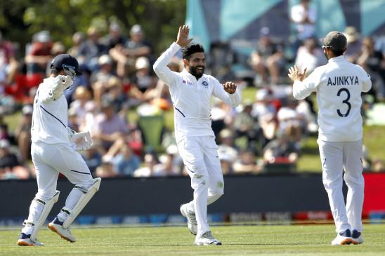 IND vs NZ VIDEO: जडेजा ने हवा में उछलकर एक हाथ से लपका कैच, खुद भी रह गए हैरान