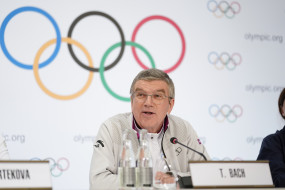 टोक्यो ओलम्पिक-2020 पर अभी फैसला लेना जल्दबाजी होगा : बाख