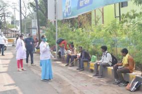 लॉकडाउन: महाराष्ट्र से लौट रहे तीन सौ लोगों के स्वास्थ्य की हुई जांच