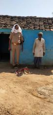 लॉकडाउन : भूखे परिवार की मददगार बनी पुलिस