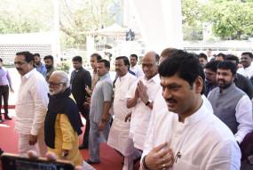 मध्यप्रदेश की हलचल पर महाराष्ट्र के नेताओं की नजर, आघाड़ी सरकार के भविष्य को लेकर चर्चा