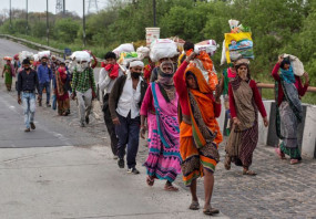 आगरा: पैदल घर जा रहे एक प्रवासी मजदूर की 200 किलोमीटर चलने के बाद मौत