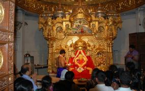 Coronavirus: सिद्धिविनायक मंदिर में भक्तों की एंट्री बंद, संक्रमण फैलने के डर से लिया फैसला