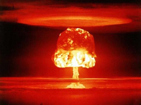उत्तर कोरिया ने पूर्वी सागर में दागीं तीन अज्ञात मिसाइल: रिपोर्ट