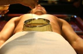 Health tips: बिस्तर पर जाने से पहले पुरुष शरीर के इन अंगो पर लगाएं तेल, फिर देखें कमाल