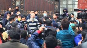 J&K: हिरासत से रिहा हुए उमर अब्दुल्ला, कहा- आज बहुत ही अलग दुनिया है