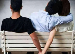 पाकिस्तान: एक प्रेग्नेंट महिला के दो पति, तीनों ने किया एक अजीब समझौता