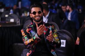 रणवीर सिंह ने 4 डांसिंग सुपरस्टार्स को डांस ट्रिब्यूट दिया