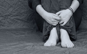 मौदा में महिला से रेप, आरोपी ने पहले उसके बेटे को बेडरुम में बंद किया