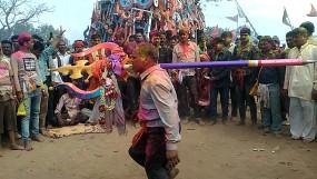 यहां भगवान महादेव संग होली खेलते है शिवभक्त, उमड़ता ही लोगों की भीड़