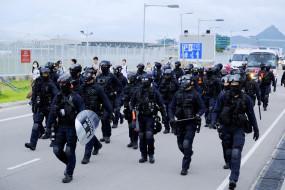 हांगकांग में प्रदर्शनकारियों पर आंसू गैस छोड़ी गई