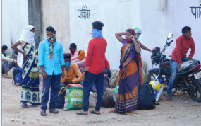 सीमाएं सील तो रेलवे ट्रेक पर चलकर बालाघाट पहुचे मजदूर