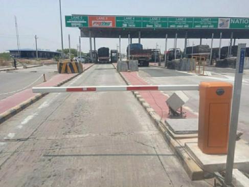 Corona Lockdown: देश में राष्ट्रीय राजमार्गों पर नहीं लिया जाएगा टोल टैक्स
