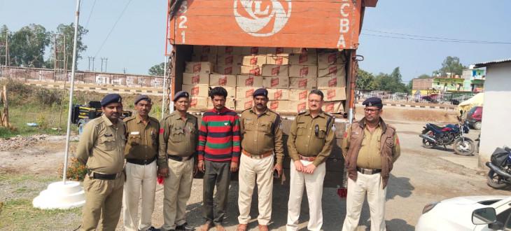 10 लाख रुपए की शराब के साथ ट्रक जब्त- मुखबिर की सूचना पर जूड़ा गांव में आया पकड़ में