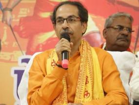 UP: अयोध्या में सीएम उद्धव ठाकरे, राम मंदिर के निर्माण के लिए किया 1 करोड़ का ऐलान