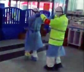 चीन की नर्स, पुलिसकर्मी का डांस करता हुआ वीडियो वायरल
