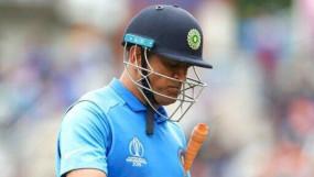 कोरोनावायरस: IPL के साथ धोनी के करियर पर भी खतरा ! टीम इंडिया में कैसे होगी वापसी ?