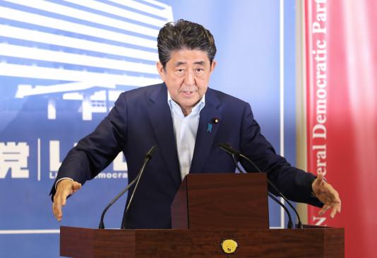 जापान: कोरोना के बढ़ते मामलों के कारण PM शिंजो आबे करेंगे आपातकाल की घोषणा !