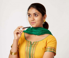 फिल्म सैराट की अभिनेत्री रिंकू राजगुरु ने वेब सीरीज हंड्रेड से हिंदी उद्योग में किया डेब्यू