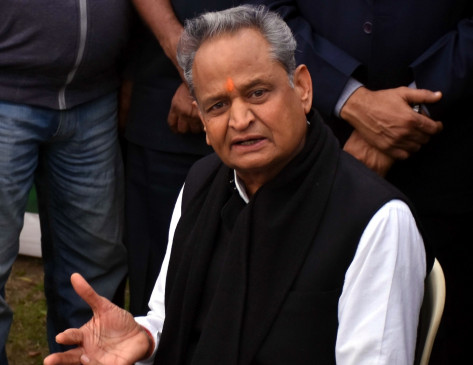 Exclusive Interview: CM अशोक गहलोत बोले-अर्थव्यवस्था के पटरी पर लौटने तक केंद्र को राज्यों को संभालने चाहिए