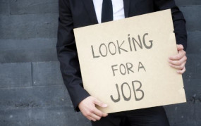 Unemployment: कोरोना वायरस और लॉकडाउन से लोग होंगे बेरोजगार, लगभग 2 लाख नौकरियों पर संकट