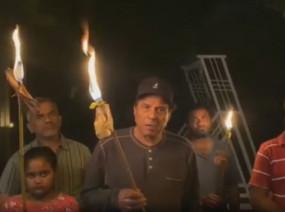 LOCKDOWN: दीया जलाने की अपील पर धर्मेंद्र ने जलाई मशाल, कहा- कोरोना को जड़ से उखाड़ेंगे