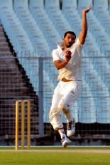 क्रिकेटर ऋषि धवन पर कर्फ्यू के उल्लंघन के चलते लगा जुर्माना