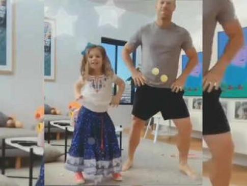 Watch Viral Video: डेविड वॉर्नर ने बेटी के साथ बॉलीवुड के पॉपुलर आइटम सॉन्ग 'शीला की जवानी' पर किया डांस